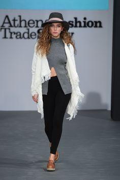 Winter casual chic style #leggings #cardigan #winter_style #fedora_hat