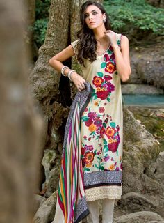 Pakistani Designers Lawn Collection 2012-2013  Pakistani Designers has recently launched latest Parsa Lawn Prints 2012 for upcoming summer...