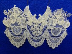 Honiton Lace by Caroline Biggins Antique Lace, Vintage Lace, Romanian Lace, Lace Bag, Bobbin Lacemaking, Point Lace, Linens And Lace, Needle Lace, White Embroidery