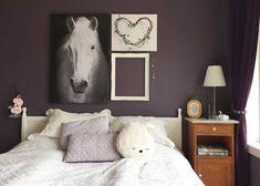 @hildecharlotte_ Table, House, Furniture, Nye, Home Decor, Robin, Beauty, Pintura, Eggplant