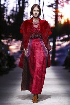 Alberta Ferretti Fall 2015 RTW Runway - Milan Fashion Week