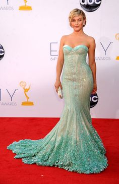 Loved her look: Emmys The Best of the Red Carpet - Julianne Hough channels mermaid style in a gown by Georges Hobeika. Julianne Hough, Blue Mermaid Dress, Mermaid Dresses, Mermaid Style, Mermaid Gown, Marchesa, Elie Saab, Zuhair Murad, Pretty Dresses