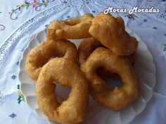 buñuelos de viento de Albuñol. Vive Alpujarra Best Spanish Food, Tapas Recipes, Onion Rings, Places To Eat, Food And Drink, Cool, Ethnic Recipes, Sweet, Gastronomia