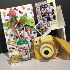 Verschenke dieses instax mini 8 Osterpaket und bekomm als Geschenk eine Ostergrusskarte mit Deinem Foto und noch eine Überraschung!