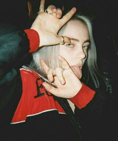 Read Shawn Mendes + Billie Eilish from the story ❝Packs❞ by avengershawn (˗ˏˋ Nιɢнт Moɴĸey ˎˊ˗) with 546 reads. Billie Eilish, Shawn Mendes, Cover Art, Black And White Outfit, Pinterest Girls, Album Cover, Look Girl, Cartoon Wallpaper, Iphone Wallpaper