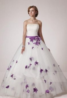POPPY - ABITI DA SPOSA COLORATI IN TULLE E RASO,DECORAZIONI DI PERLINE