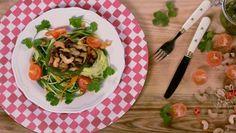 Esparguete de legumes com pesto de coentros - receita | 24Kitchen