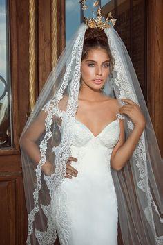 Love the veil. Galia Lahav 2014 Collection. www.theweddingnotebook.com