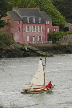 La maison rose | Morbihan gulf in Brittany, France © Patrick Debétencourt