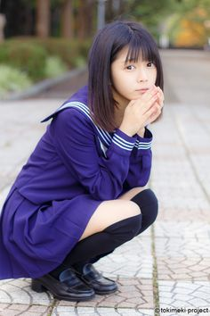 セーラー服は1920年に日本で着られるようになった。 その形状は今でも大きく変わることなく日本で愛され続けられている。 100年間続く制服の魅力、ときめきを、tokimeki projectで再発見する。