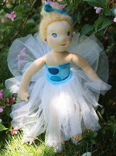 panenka baletka s drdůlkem a tylovou sukní, ekopanenky, panenky s duší Tinkerbell, Cinderella, Disney Characters, Fictional Characters, Dolls, Christmas Ornaments, Disney Princess, Holiday Decor, Art