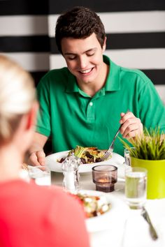 #Kids are less likely to be #overweight if they eat meals with their #families, according to a new study.