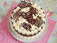 Tort cu mascarpone si blat de nuca Vegetable Drinks, Keto Bread, Homemade Cakes, No Bake Cake, Nutella, Cake Decorating, Food Photography, Food And Drink, Birthday Cake