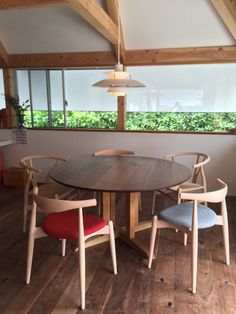 Round Dining Tables For Small Spaces - The Architects Diary Dining Table Design, Round Dining Table, Dining Chairs, Table For Small Space, Small Spaces, Furniture Design, Outdoor Decor, House, Home Decor