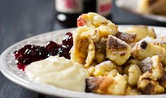 Österreichischer Kaiserschmarrn - Rezept - GuteKueche.ch German Desserts, Acai Bowl, Mashed Potatoes, Macaroni And Cheese, French Toast, Sweet Treats, Bakery, Food And Drink, Cooking