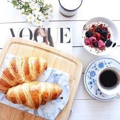 Buenos días bellezas. #FelizMartes #Vogue #MujerInspírate
