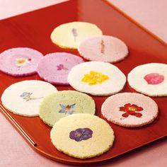 """Hana Senbei"" -flower rice cracker 花せんべい/佐藤玉雲堂, Okayama, Japan"