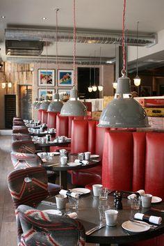 Claves para decorar un local vintage (i) (restaurante, cafetería, pub, hotel, etc.) http://www.fiaka.es/blog/claves-para-decorar-un-local-vintage-i/