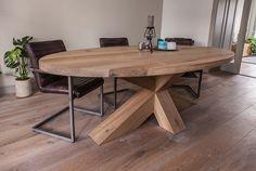 Strakke ovalen tafel