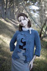 Habu Textiles Knit-A-Long  ,  de foto's  met habu ideeën komen van een blog met diverse artikelen door bijvoorbeeld olga over habu. Dit is een inspirerend model
