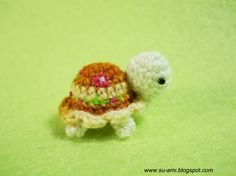 I want one of these mini crocheted turtles! Crochet Turtle Pattern, Crochet Patterns, Crochet Baby, Knit Crochet, Crotchet, Cute Turtles, Sea Turtles, Learn To Crochet, Crochet Things