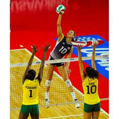You can see The Governor - Jordan Larson - and the U. Women's Team compete live this summer at the FIVB Grand Prix Finals in Omaha, Neb. Usa Volleyball, Female Volleyball Players, Team Usa, Sports Women, Fitspiration, Grand Prix, Bae, Champion, Basketball Court