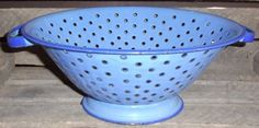 Vintage Enamel Colander/Strainer - Blue - Kitchen & Dining - Cookware - Farmhouse Primitive - Collectible Enamelware