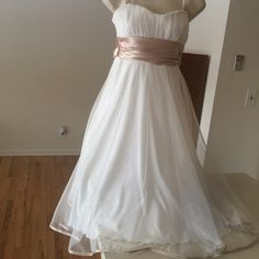 Beautiful formal dress Gold and off white .. Classic beauty Dresses Midi