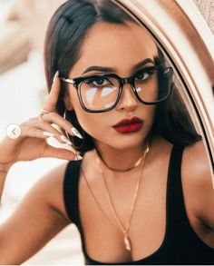Becky G Style, G Photos, Latin Women, Girls With Glasses, Makeup With Glasses, Girl Photo Poses, Woman Face, Pretty Face, Makeup Looks