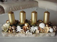 100 DIY Christmas Centerpieces for Tables and decoration ideas - Ethinify Elegant Christmas Centerpieces, Christmas Candle Decorations, Christmas Candle Holders, Christmas Candles, Christmas Advent Wreath, Christmas Crafts, Christmas Wine Bottles, Deco Table, Tables