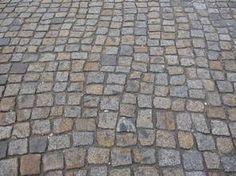 historisches Pflaster gebrauchtes Granitpflaster altes Granitpflaster abgefahrenes Pflaster Großpflaster Kleinpflaster Mosaikpflaster