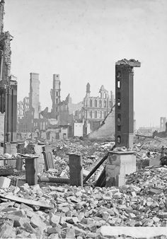Chicago in ruins: The unimaginable aftermath of the Great Fire of 1871 300 dead; homeless — and it was blamed on a cow. Chicago City, Chicago Illinois, Old Pictures, Old Photos, Chicago Fire Department, San Francisco Earthquake, Ruined City, The Great Fire, Victorian