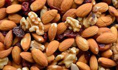 Los #FrutosSecos y sus #beneficios tema de hoy en el #blog   http://www.farmaciavilaonline.com/blog/los-ricos-y-beneficiosos-frutos-secos/