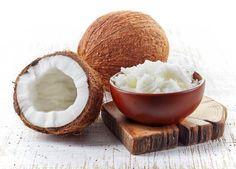 O coco pode ser bastante benéfico para a sua saúde e, o melhor de tudo é que você pode aproveitar tanto o seu interior como a sua casca :) #coco #saúde