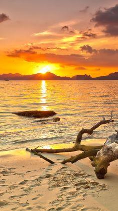 Philippine Beach Sunset, beach, sun, clouds, water, waves, rock, wood, footprints, foot steps, sand, beautiful, clouds, cloudy sky, sun, sunbeams, sparkle, panorama, Ocean view, photo.
