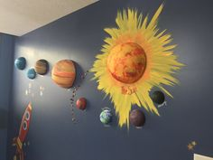 66 Ideas Science Decorations Classroom Solar System For 2019 Earth Science 66 Ideen Wissenschaft Dek Science Room Decor, Science Classroom Decorations, School Decorations, Science Art, Space Theme Classroom, Classroom Walls, Classroom Board, Science Fair Projects, Projects For Kids