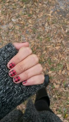 Fall is in the air with #FlannelFriday and #jamberrynails.