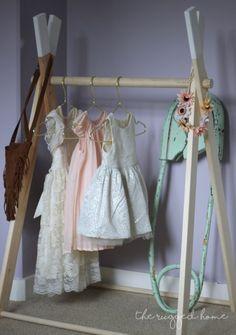 DIY Kids Clothing Rack, Modern Minimalistic Clothing Rack, Easy DIY Clothing Rack, Clothing Display, Easy DIY Dress Storage