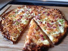 Low Carb Keto Flammkuchen (recipe with picture) by yawakoo Low Fat Low Carb, Low Carb Pizza, Low Carb Keto, Low Carb Recipes, Paleo Dinner, Convenience Food, Food Pictures, Food And Drink, Tasty