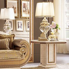 The Leonardo living room interprets the classical style for modern spaces without betraying the Italian spirit for furnishing. Coffee Table Decor Living Room, Sofa Table Decor, Living Room Sofa, Home Living Room, Furniture Decor, Living Room Decor, Italian Furniture, Classic Furniture, Table Behind Couch