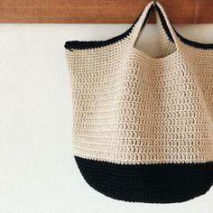 Crochet cotton or linen bag Crochet Beach Bags, Crochet Market Bag, Crochet Tote, Crochet Handbags, Crochet Purses, Love Crochet, Crochet Crafts, Diy Bags Purses, Macrame Bag