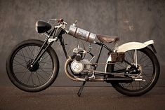 When the custom bike revival began in earnest a few years ago, the bulk of builds were Cafe Racers based on the best of British from the '60s and the Japanese legends of the '70s.But as the scene grows, many builders have looked back decades earlier for both inspiration and donor bikes. For Pip Davidson, it started by joining the BSMC and with a few builds under his belt picked up an imitation Board Tracker, a bicycle really, with a 60cc mini bike engine. But it gave him an idea.Wha...