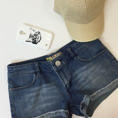 🎉Host Pick x2🎉 Roxy denim shorts Good condition Roxy Shorts Jean Shorts