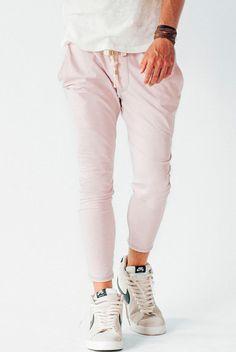 The Crow Collective Journey Pant is a laid back lounge pant with a drop crotch design. Ultra soft and luxurious, this Ash colored pant is perfect for those lazy days and long weekends. Cute Things For Girls, New Bra, Jogger Sweatpants, Colored Pants, Gym Style, Drop Crotch, Lounge Pants, Hot Pants, Bra Tops