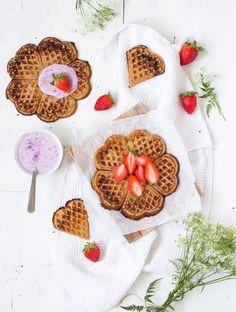 Vegan buckwheat waffles // Vegaaniset tattarivohvelit