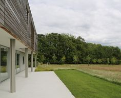 Short-listed for the RIBA House of the Year Awards this unique contemporary house sits on a ridge facing the South Downs. In a spectacular setting such as this it is. Modern Garden Design, Landscape Design, Sussex Gardens, Modern Country, Surrey, Modern Contemporary, Exterior, Traditional, Architecture