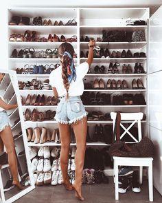 "1,606 Gostos, 16 Comentários - Diary Inspiration (@blondesandcookies) no Instagram: ""Closet Goals Yay? by @thefashionfraction via @fashionzine """