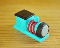 Bake Happy: How to Make Thomas the Tank Engine Cupcake Topper