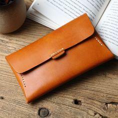 Leather bag pattern Handmade leather vintage women long multi cards wallet clutch purse wallet How C Handmade Leather Wallet, Leather Card Wallet, Leather Gifts, Clutch Wallet, Leather Clutch, Leather Purses, Leather Handbags, Leather Bags, Leather Bag Pattern