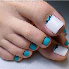 Pedicure Designs, Gel Pedicure, Toe Nail Designs, Pretty Toe Nails, Cute Toe Nails, Beach Nail Art, Beach Nails, Acrylic Toe Nails, Toe Nail Art